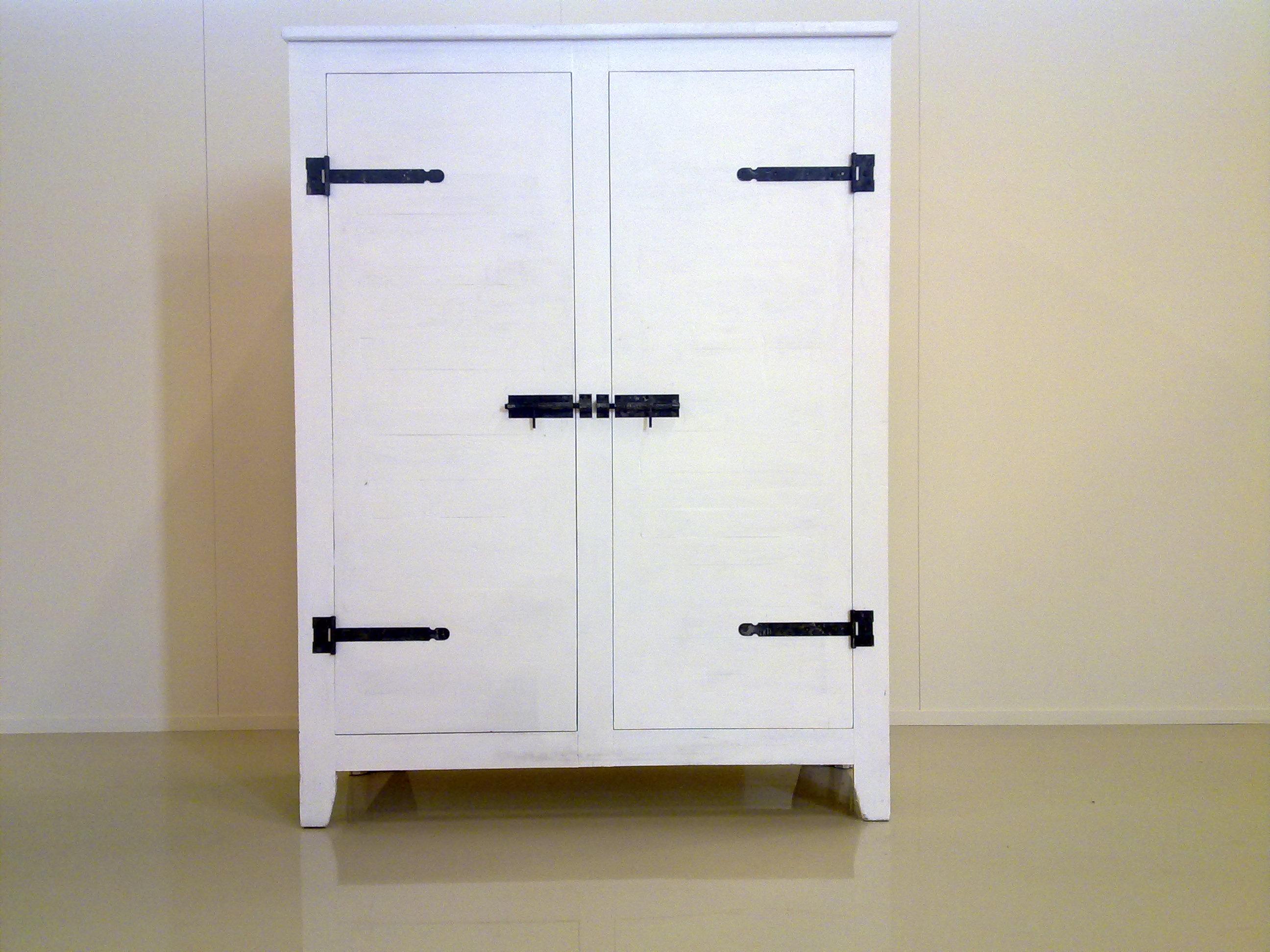 Een landelijke tv meubel voor een flatscreen   lifestylelady.nl