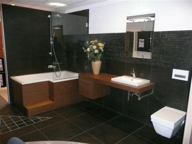 Op badkamer jacht - Badkamer met italiaanse douche en bad ...