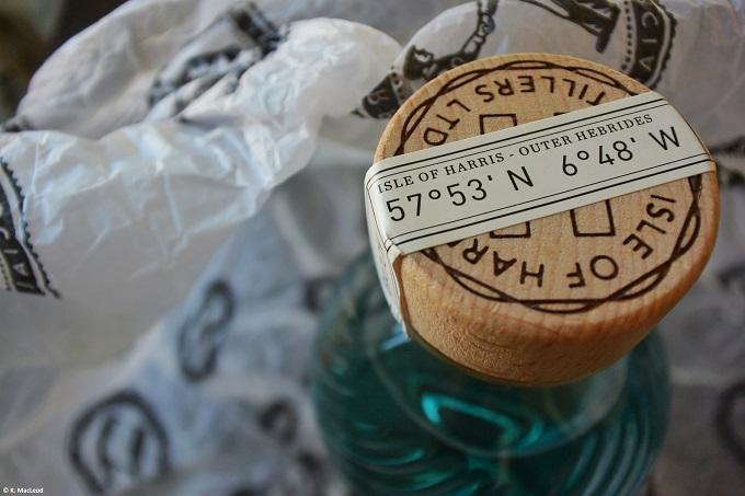 Isle-of-Harris-Gin-Bottle-Coordinates