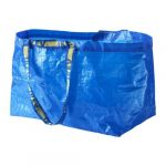 Ga je trouwen? De bekende blauwe IKEA Frakta tas helpt
